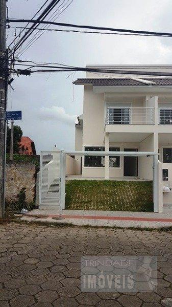 Ampla casa geminada moderna, 3 suite churrasqueira sol da manha nos dormitórios