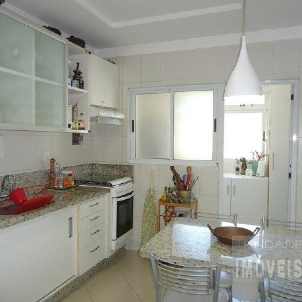 Apartamento 3 quartos no Córrego Grande, ótima localização!