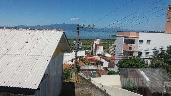 Imóvel com 2 casas e linda vista