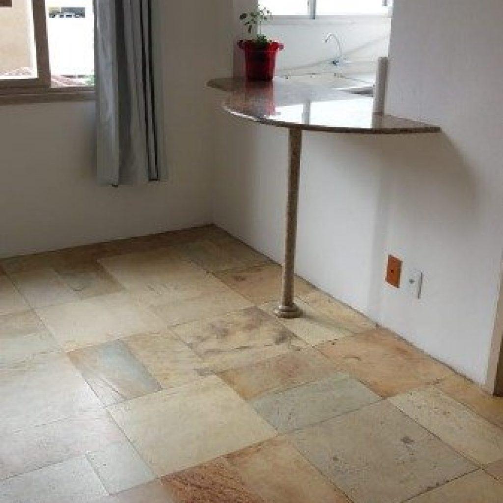 Apartamento de 1 dormitório próximo ao Angeloni da Beira Mar
