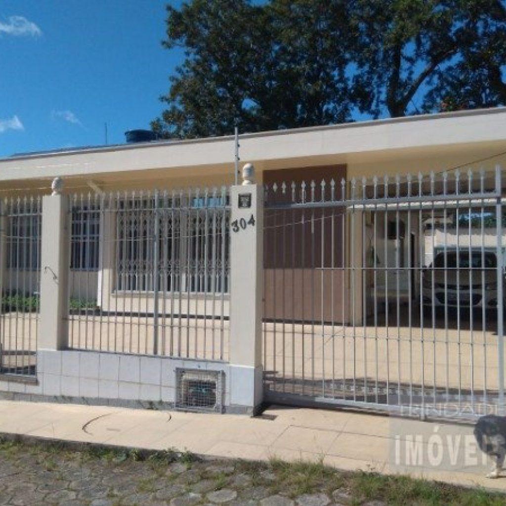 Excelente casa na Trindade próxima a UFSC podendo ser Residencial e Comercial