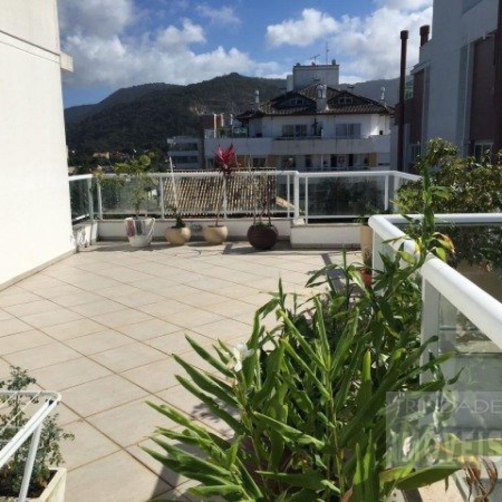 Cobertura com 2 dormitórios no Rio Tavares