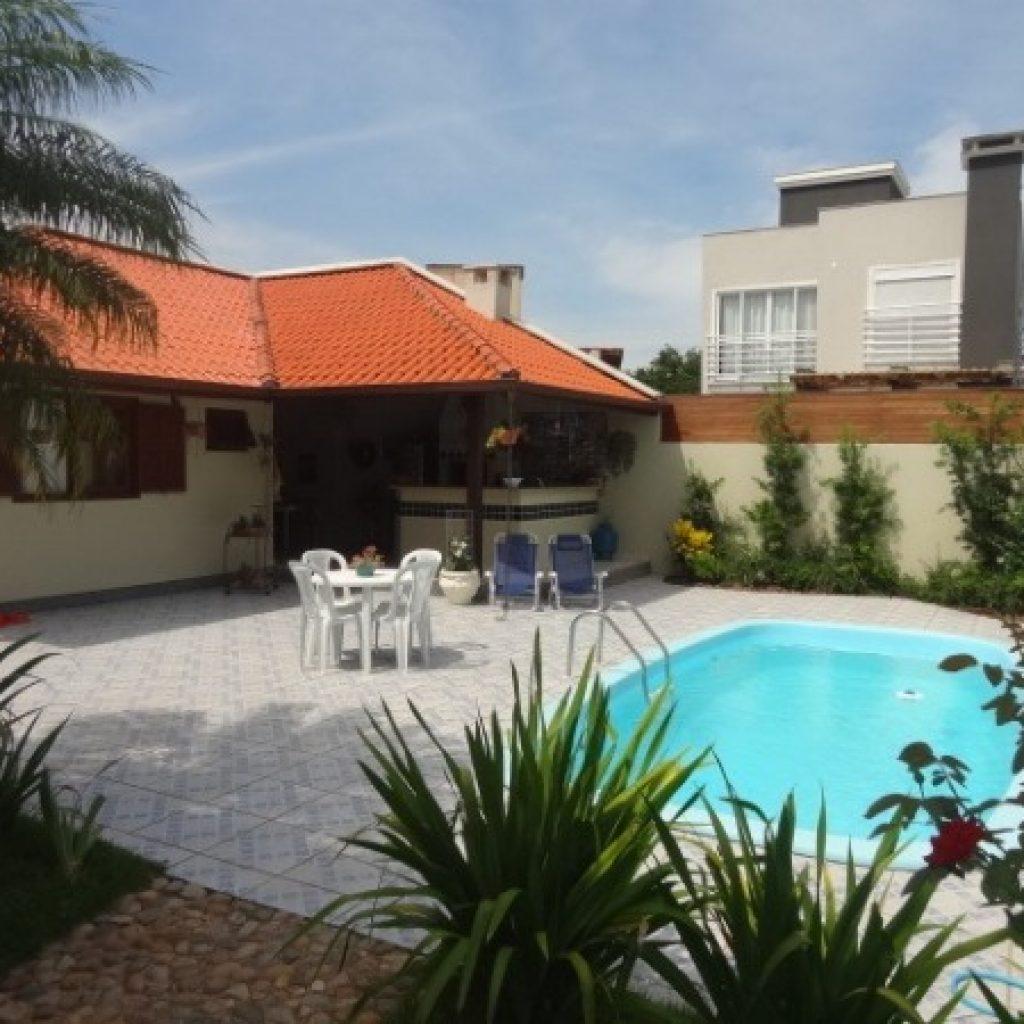 Casa 4 dormitórios (1 suíte) no Carianos – Florianópolis/SC
