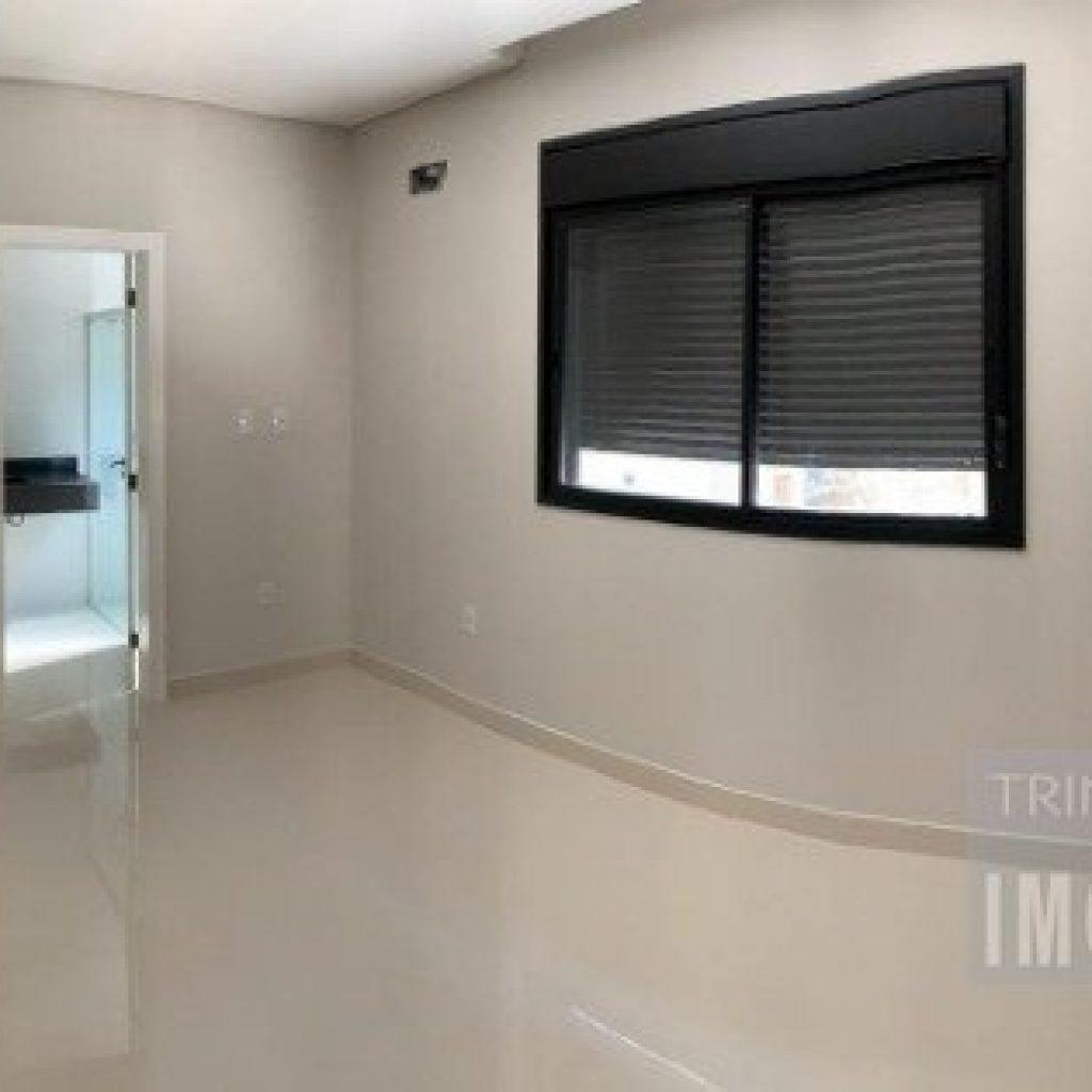 casa em condomínio fechado com 4 dormitório sendo 2 suite