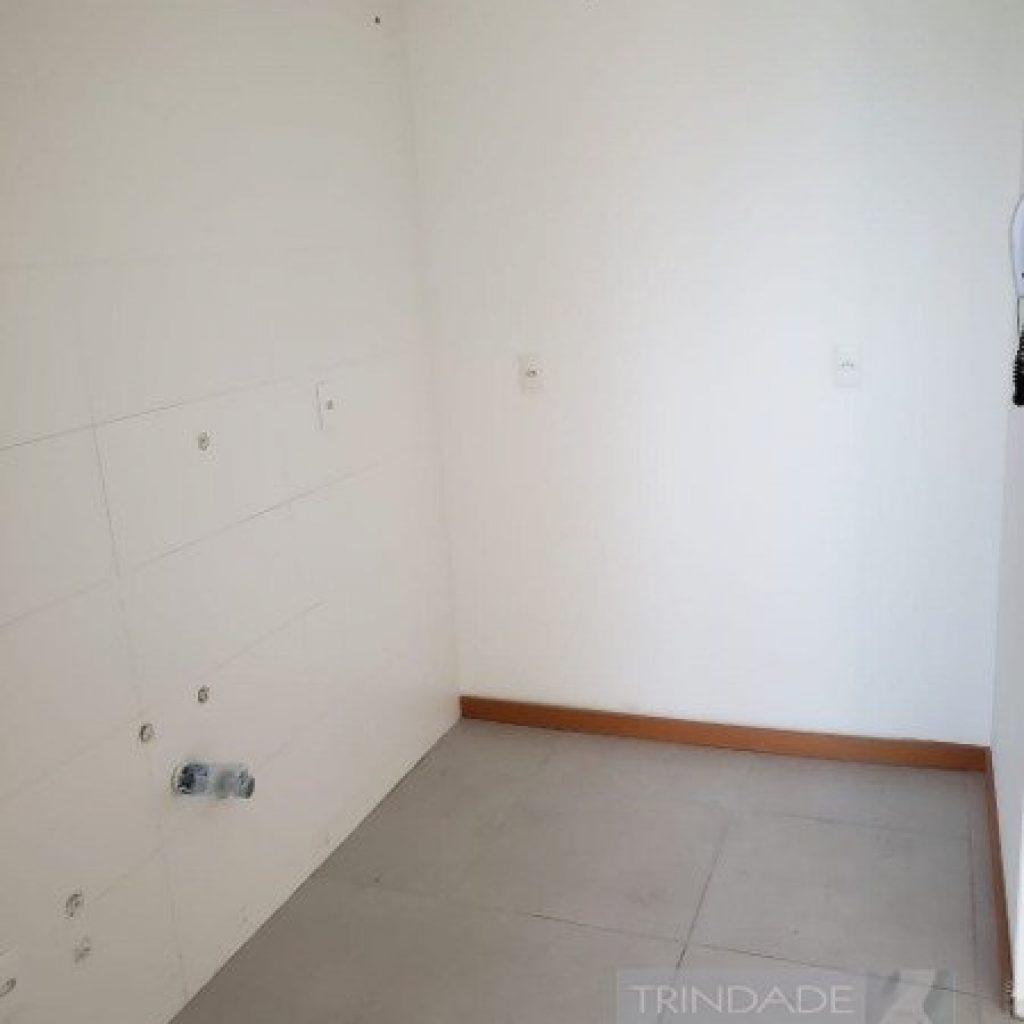 Apartamento  novo de 02 dormitórios, 1 na parte de baixo e outro no  sótão