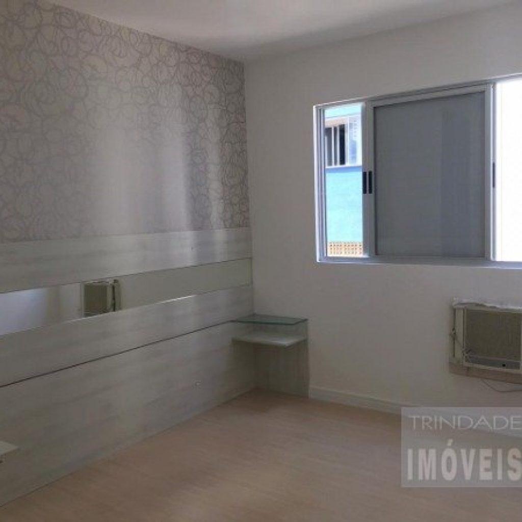 Apartamento de 3 quartos um deles suíte, vaga de garagem  e elevador na Trindade, Florianópolis.