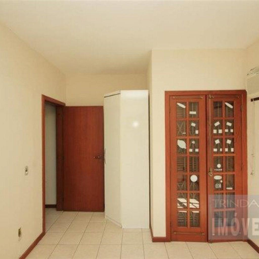 Casa linda com 03 quartos no Parque São Jorge