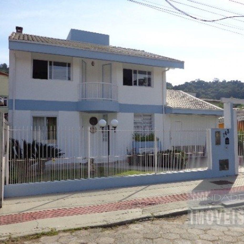 Linda casa Residencial na Serrinha.